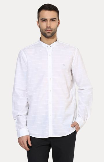 Turtle | White Patterned Casual Shirt