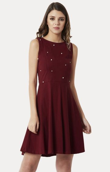 MISS CHASE | Maroon Solid Pearl Detailing Cut-Out Skater Dress