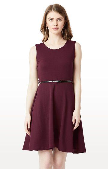 MISS CHASE | Wine Solid Belted Knee Long Skater Dress
