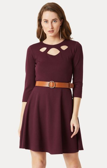 MISS CHASE | Wine Solid Belted Cut-Out Skater Dress