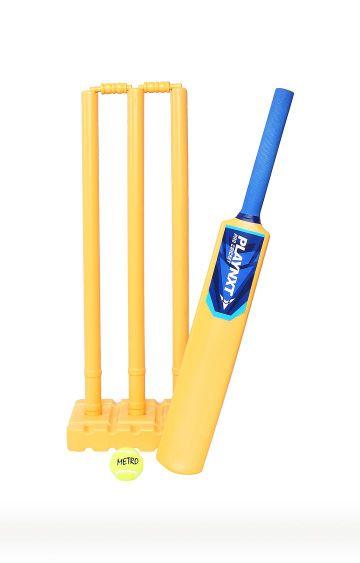 Hamleys   Yellow Cricket Set