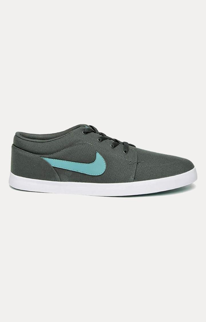 Nike | Grey Sneakers