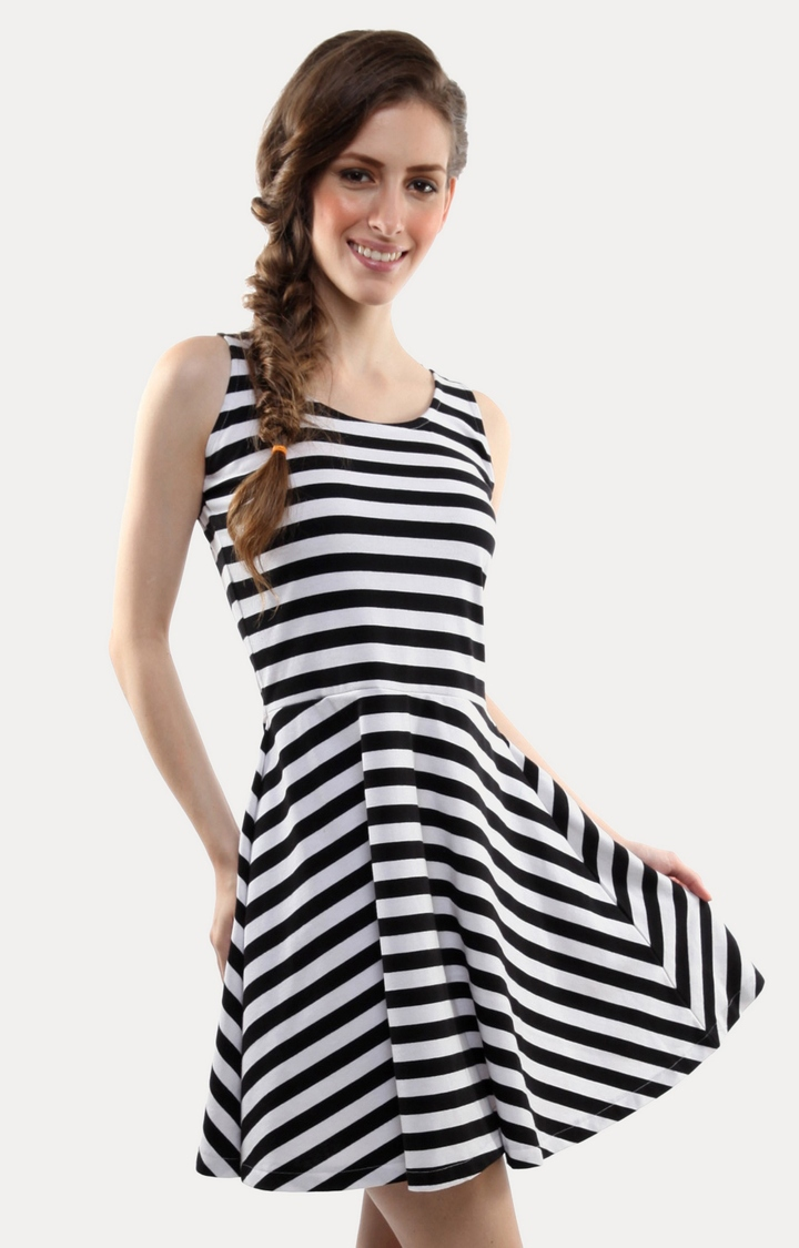 MISS CHASE   Black All About The Stripes Skater Dress