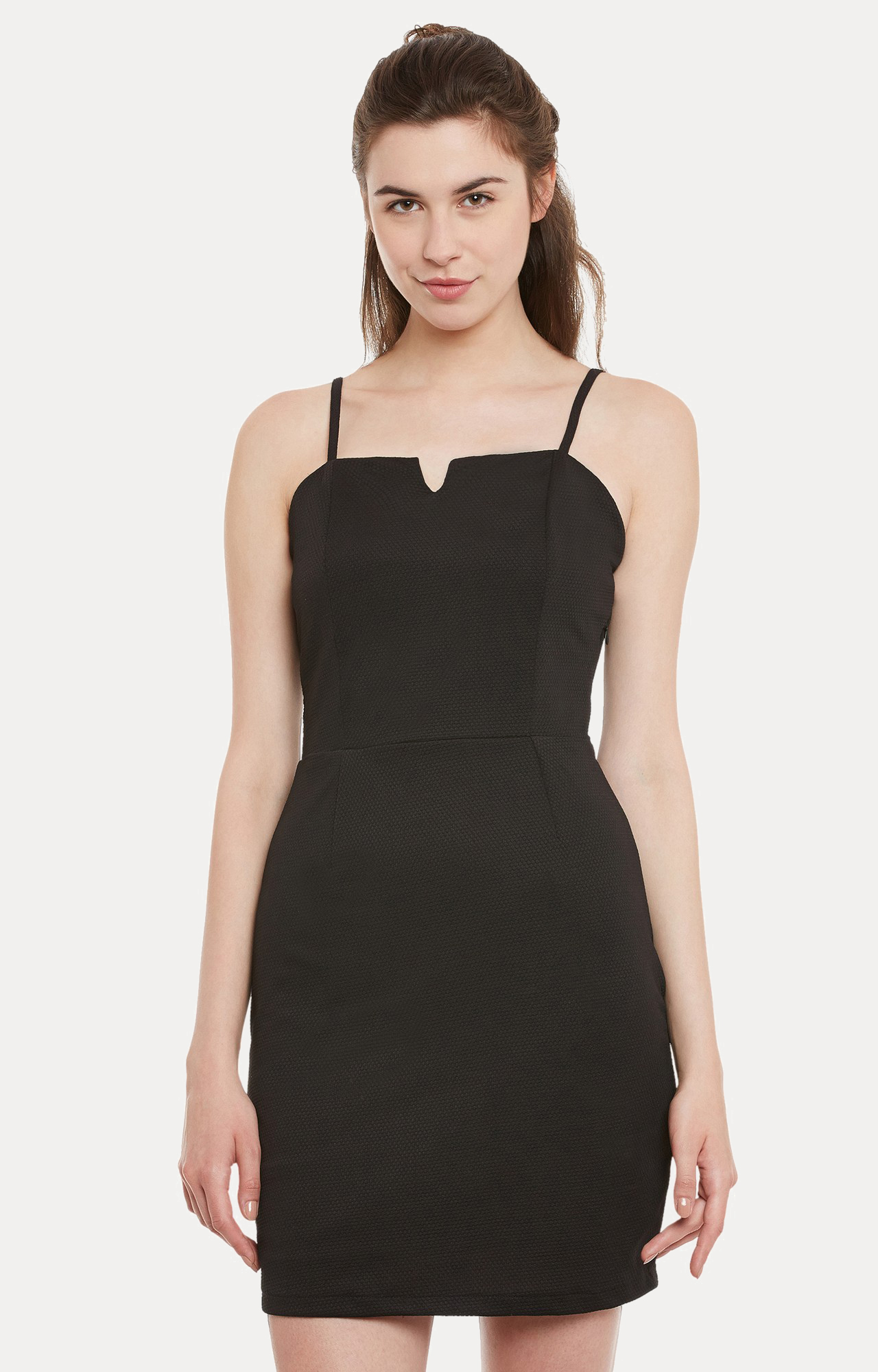 MISS CHASE | Black Solid Panelled Sheath Dress