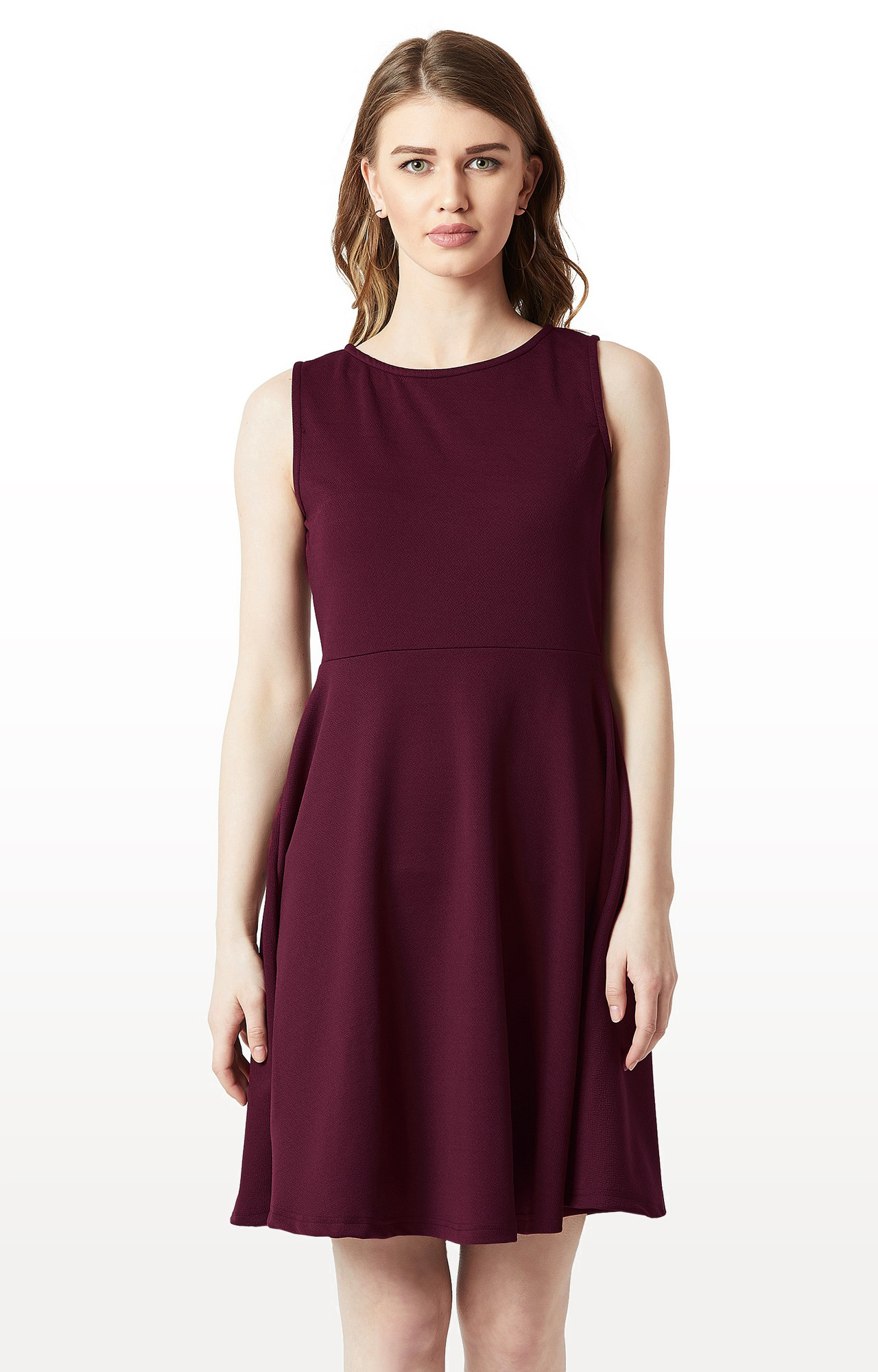 MISS CHASE | Wine Solid Back Cut Out Knitted Knee Long Skater Dress