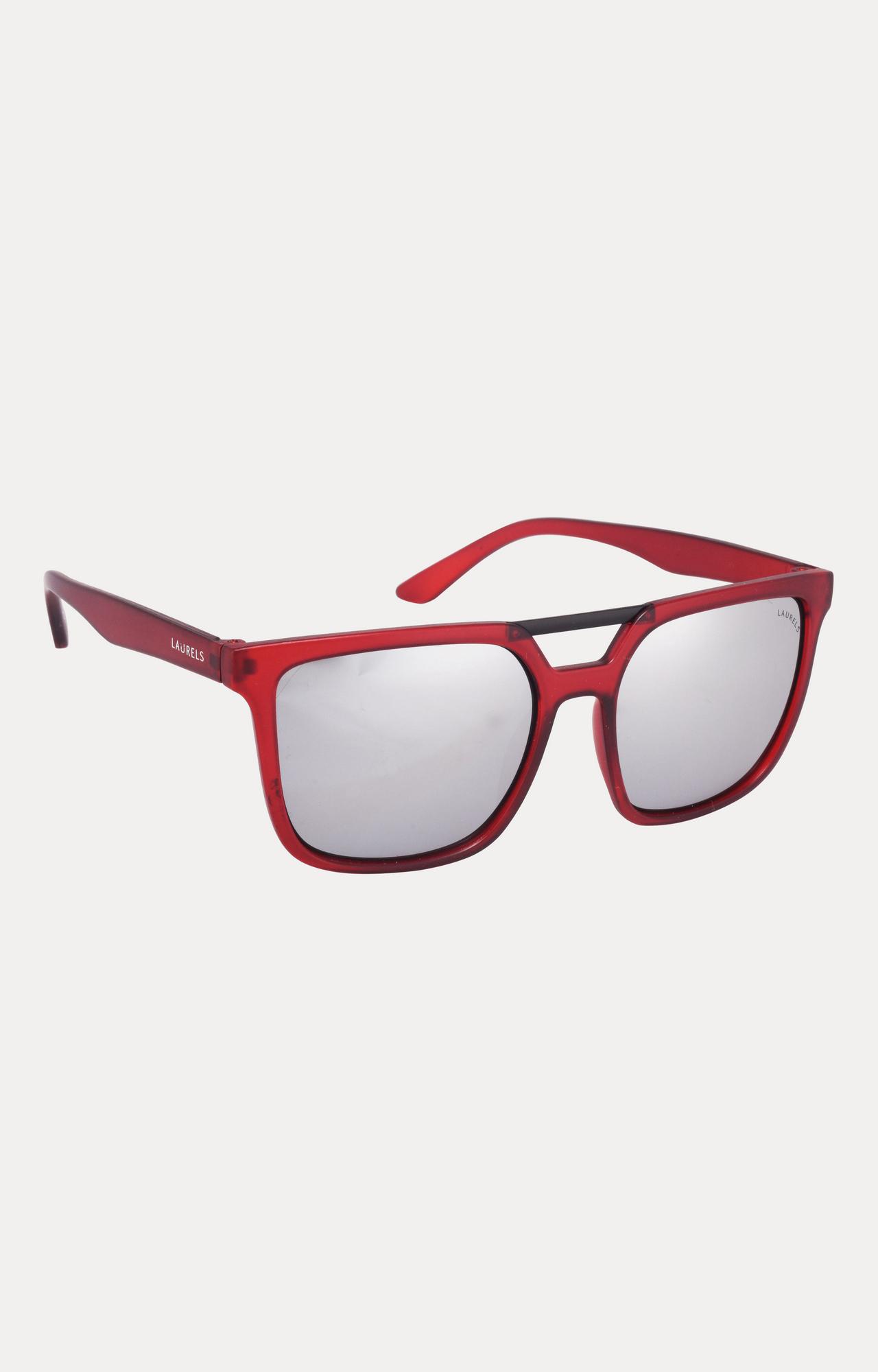 Laurels | Red Wayfarers