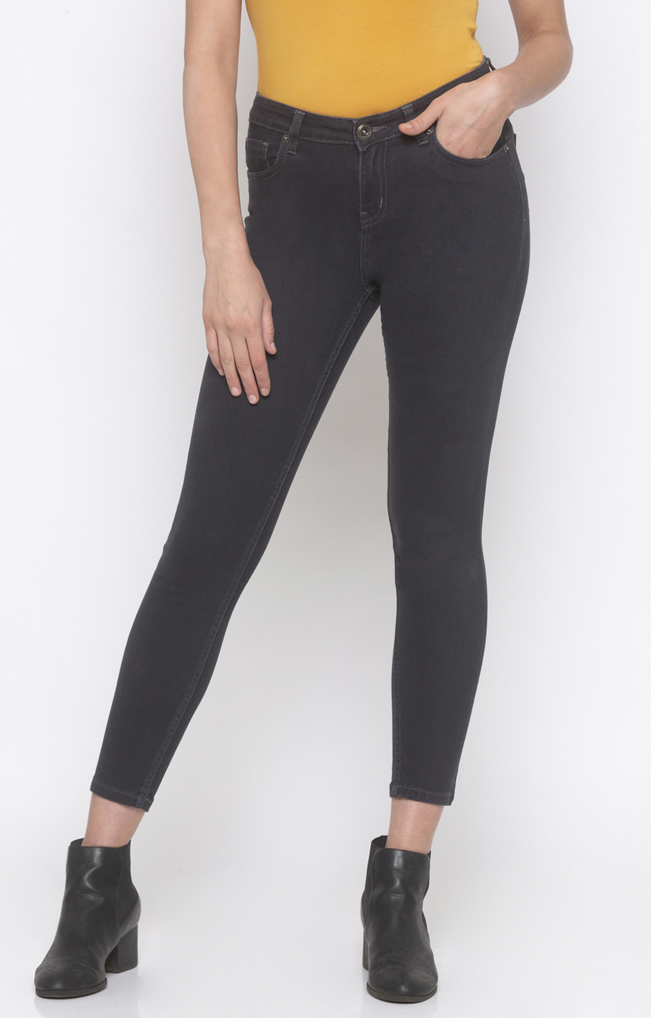 globus   Grey Solid Tapered Jeans
