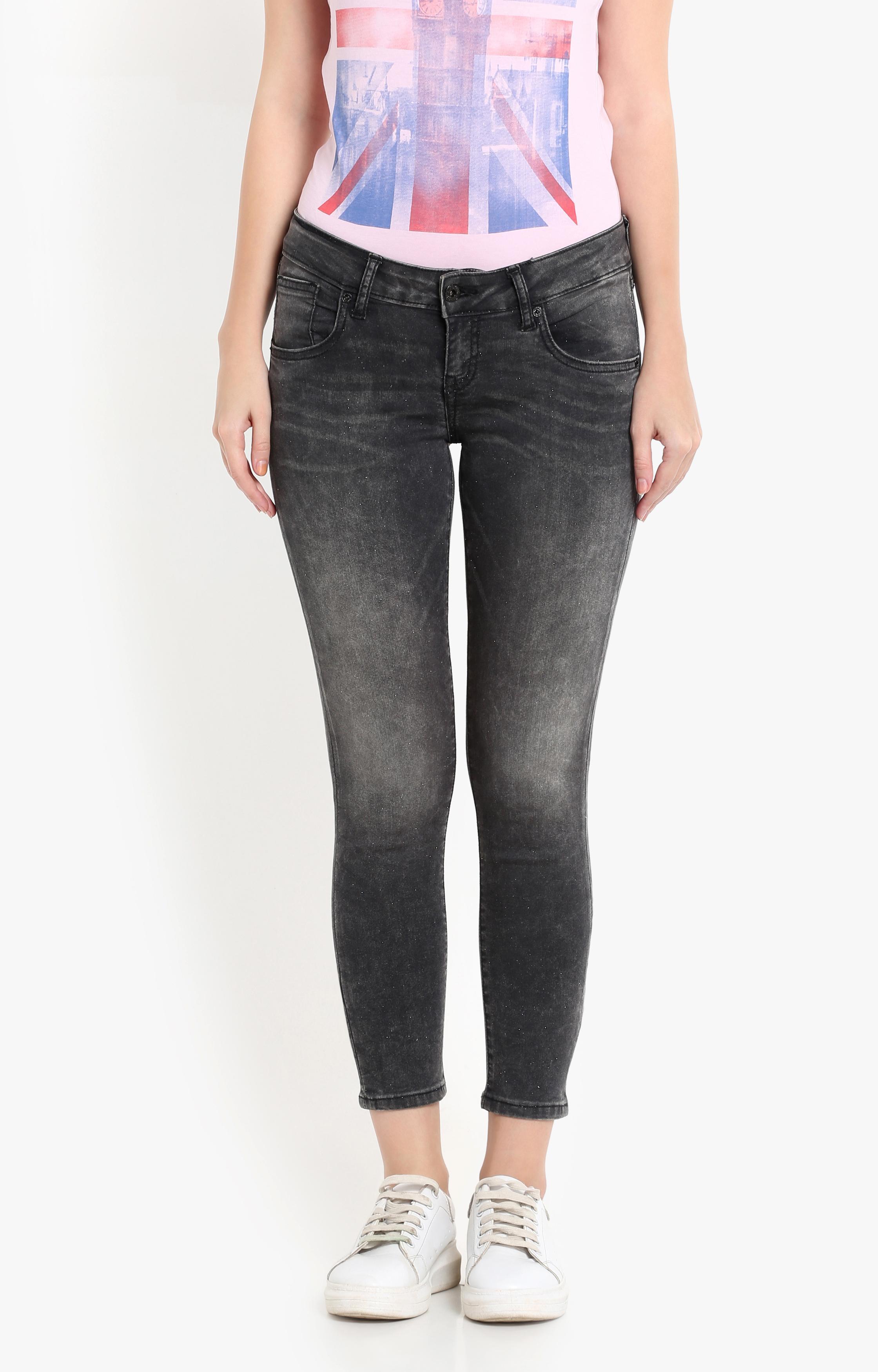 Pepe Jeans | Black Solid Capri Jeans