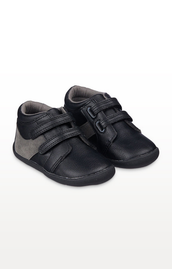 Mothercare | Black Crawler Shoes