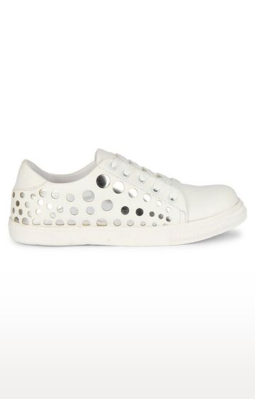 Climbr | White Sneakers