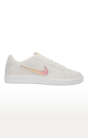 Nike | White Sneakers