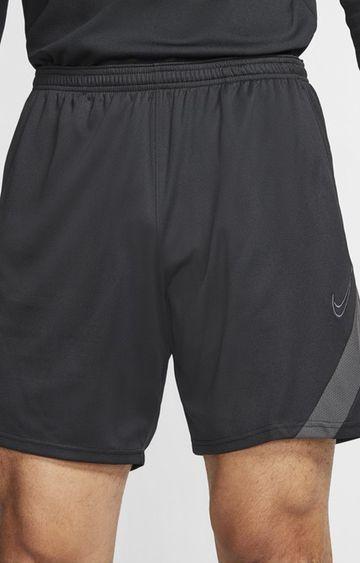 Nike   Nike Black Solid Dry Acdpr Shorts
