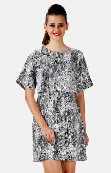 MISS CHASE   Black and White Round Neck Printed Shift Dress