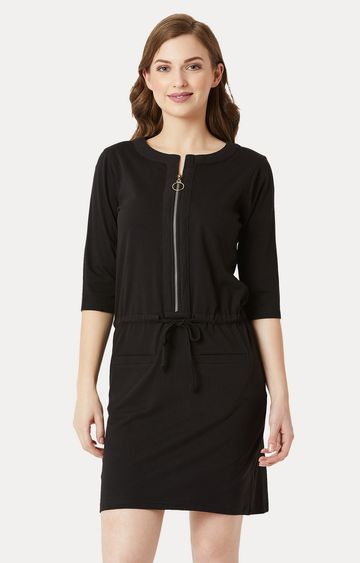 MISS CHASE | Black Solid Belted Zippered Mini Shift Dress