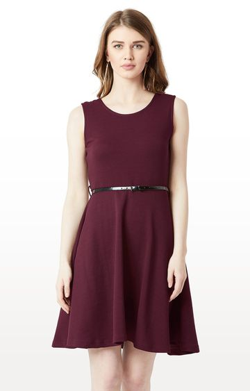 MISS CHASE | Wine Solid Belted Knee Long Skater Dress