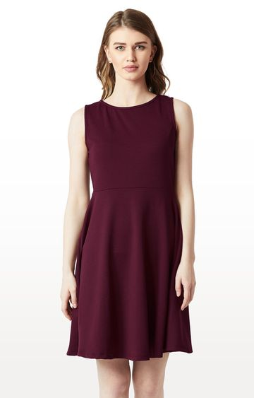 MISS CHASE   Wine Solid Back Cut Out Knitted Knee Long Skater Dress