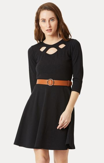 MISS CHASE | Black Solid Belted Cut-Out Skater Dress