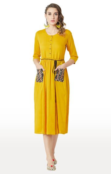 MISS CHASE   Mustard Solid Skater Dress