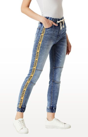 MISS CHASE   Blue Solid Mid Rise Multicoloured Twill Tape Detailing Regular Length Denim Stretchable Jogger Pants