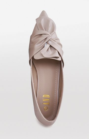 AND | Beige Pointed Toe Shoes