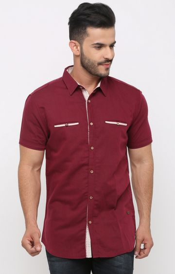 With | Maroon Solid Casual Shirt