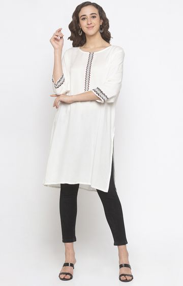 globus | Off White Solid Regular Kurti