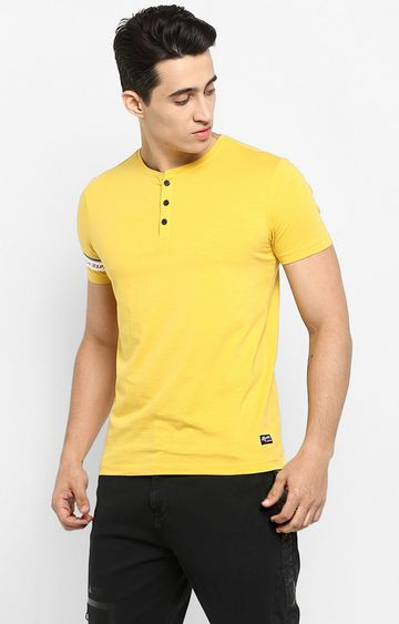 spykar   Spykar Mustard Solid Slim Fit T-Shirts