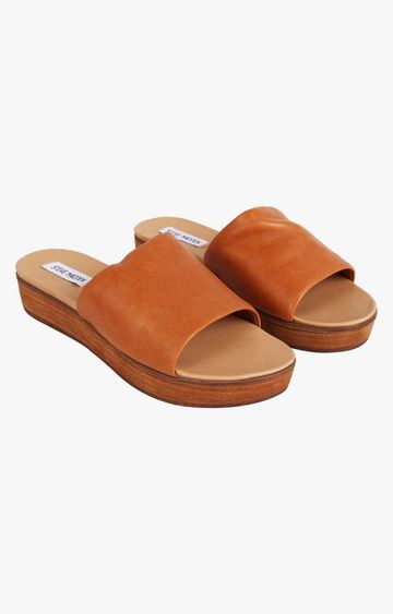 STEVE MADDEN | Tan Wedges