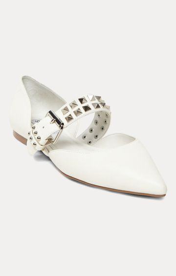 STEVE MADDEN | White Pointed Toe Shoes