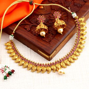SUKKHI   Sukkhi Attractive Gold Plated Choker Necklace Set For Women