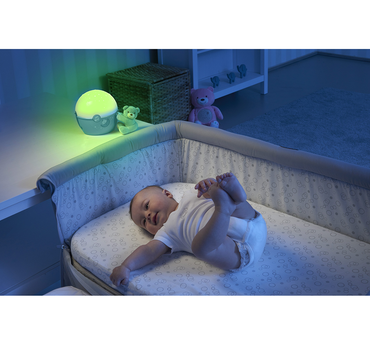 Chicco   Chicco First Dreams Next 2 Stars Cot Projector with Music for New Born Boyss age 0M+ (Blue)