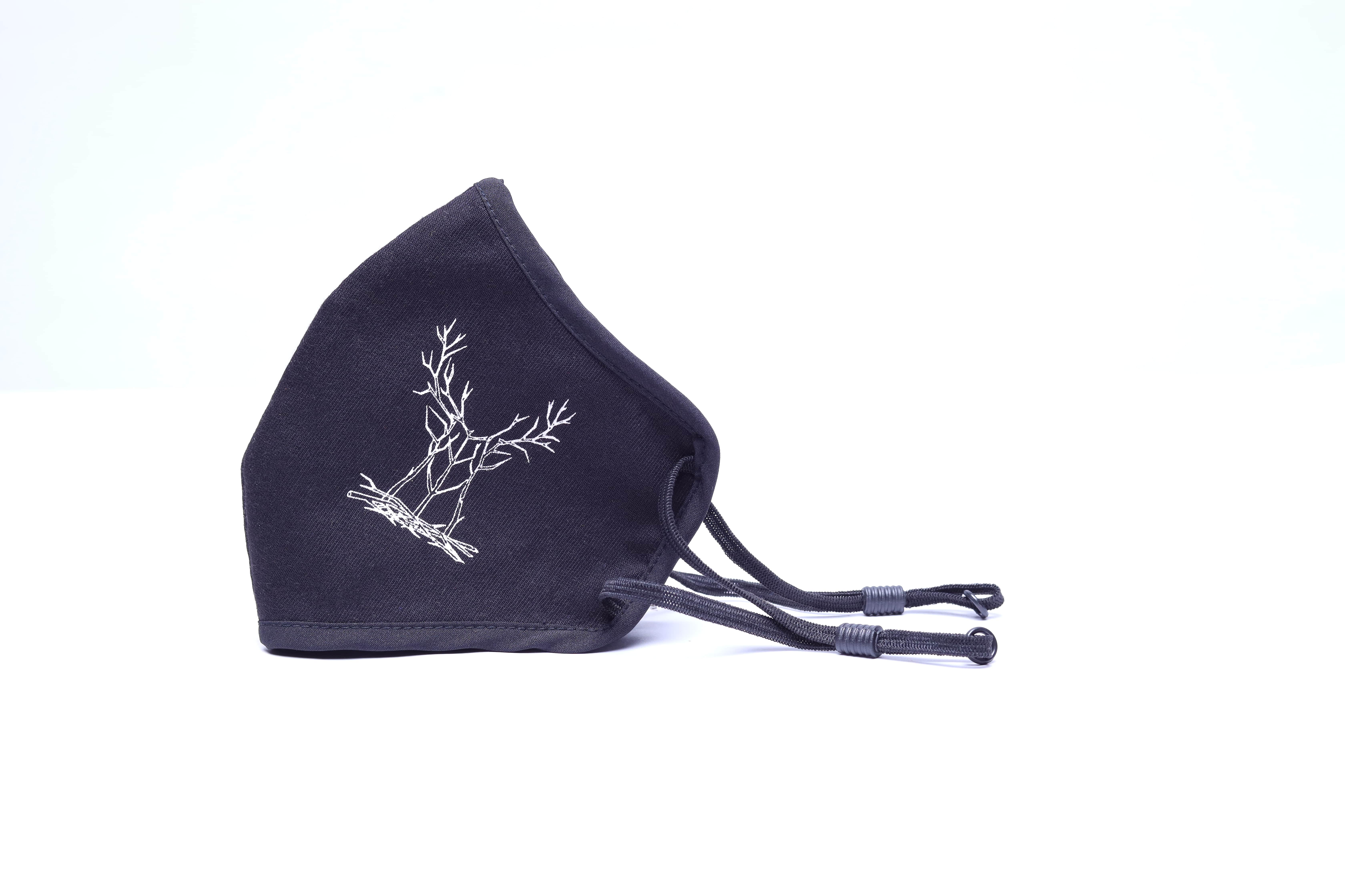 Bottle&Co | Wooden Deer: Black rPET Sustainable Facemask