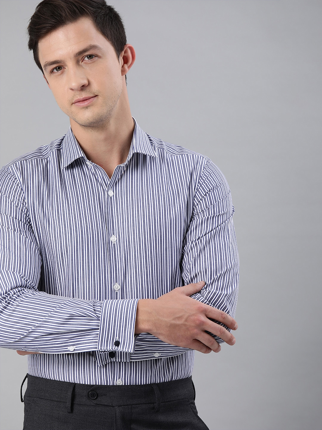 The Bear House | THE BEAR HOUSE Men Off-White  Navy Blue Slim Fit Striped French-Cuff Formal Shirt