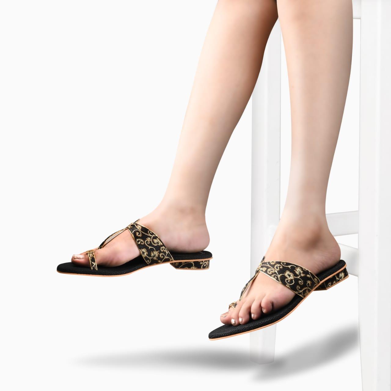 SALARIO | Salario Toe-Ring Chunky Heels