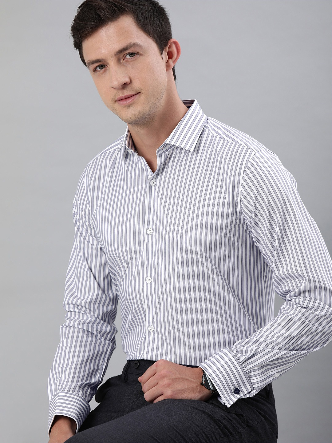 The Bear House   THE BEAR HOUSE Men White  Navy Blue Slim Fit Striped French-Cuff Formal Shirt