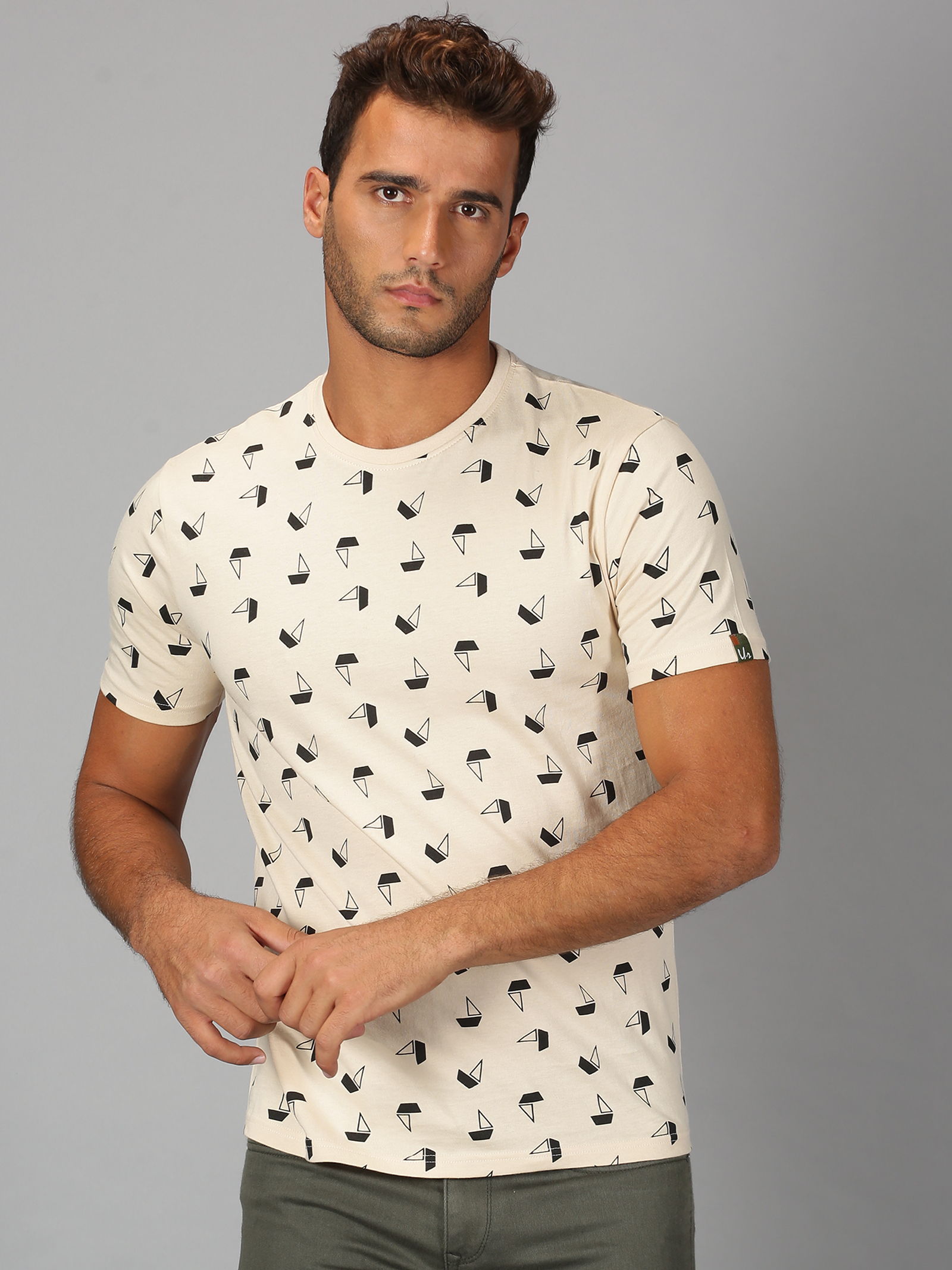 UrGear | Mens Round Neck Printed Light Grey T-Shirt