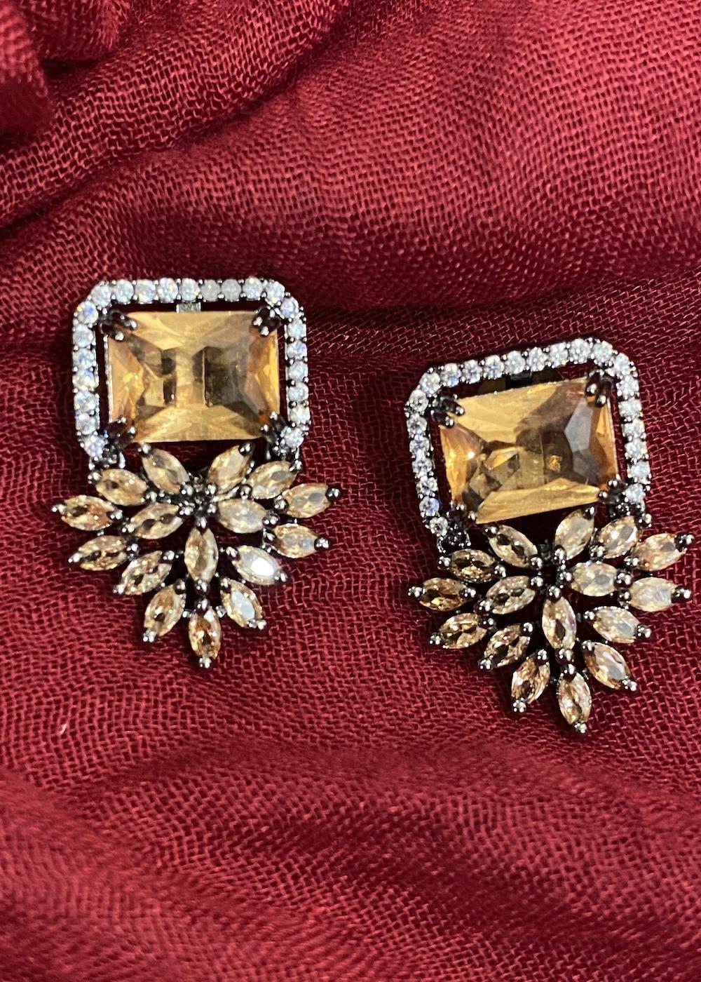 Swabhimann Jewellery | Swabhimann Jwellery Flower Wing Studs Sandstone