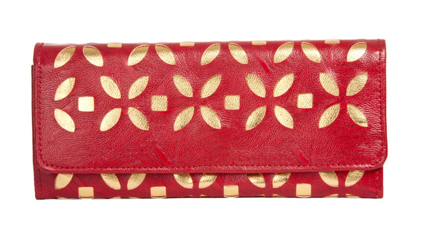 Aliado | Envie Faux Leather Embellished Red Magnetic Snap Closure    Clutch