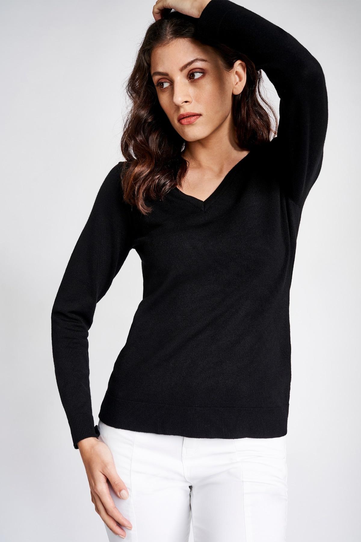 AND | Black V-Neck Sweater Regular Top