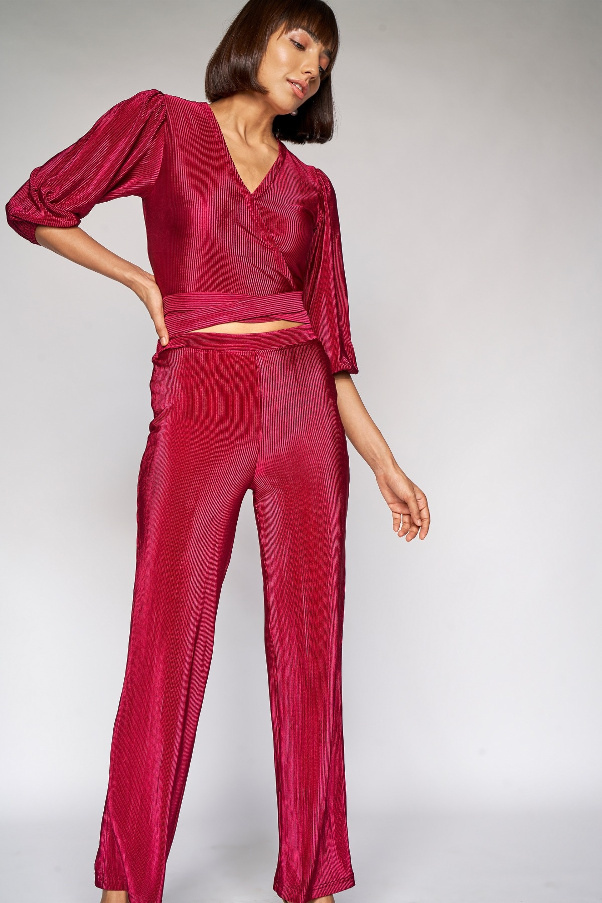 AND | Wine Solid Cropped Suit
