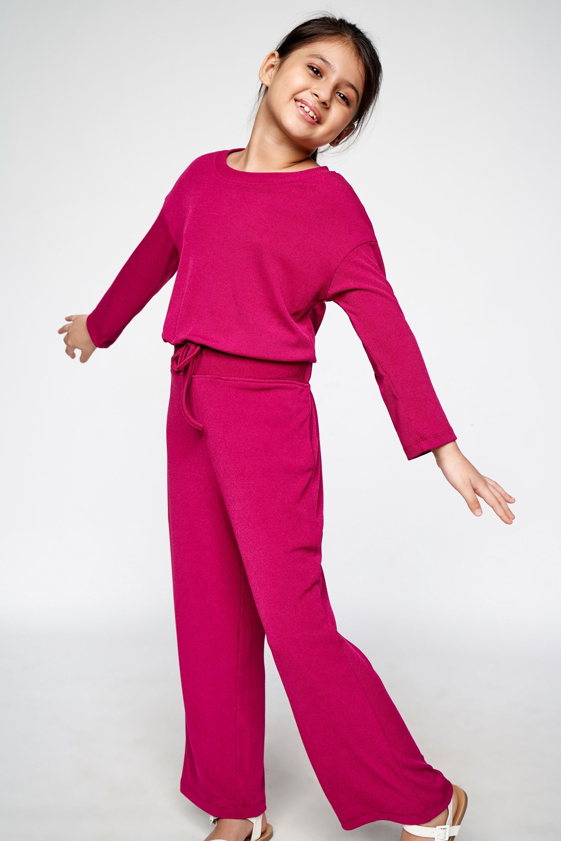 AND | Wine Solid Straight Set