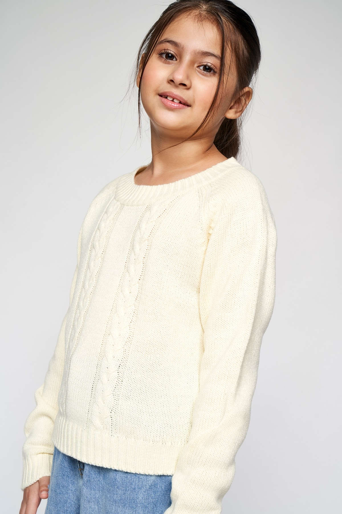 AND   White Solid Straight Top