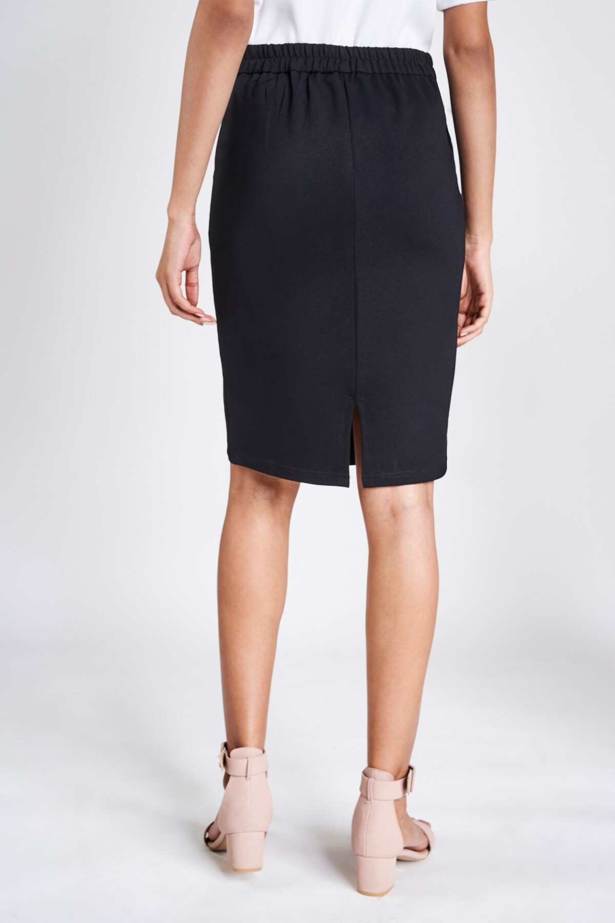 AND | Black Solid A-Line Skirt