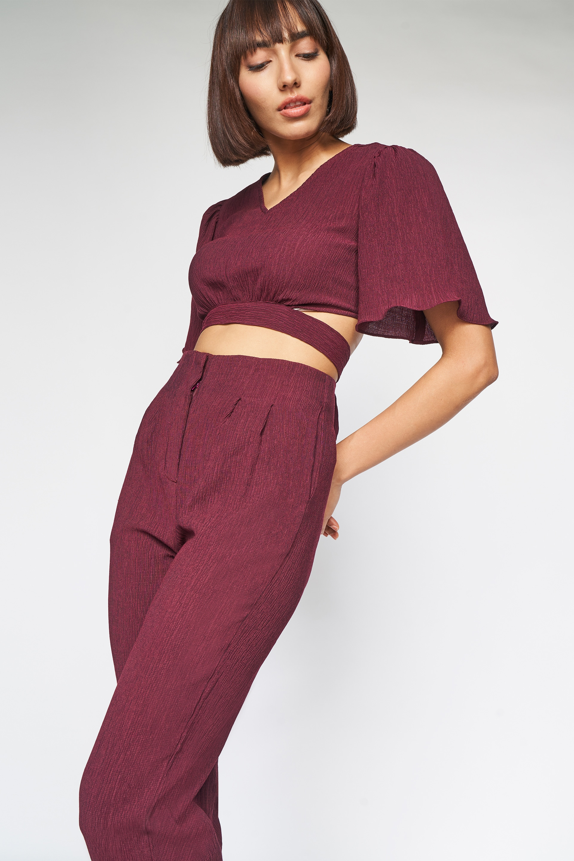 AND | Wine Solid Cut Out Curved Set