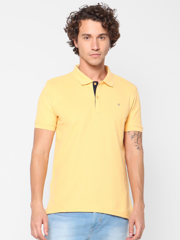 celio   Solid  Yellow Polo T-Shirt