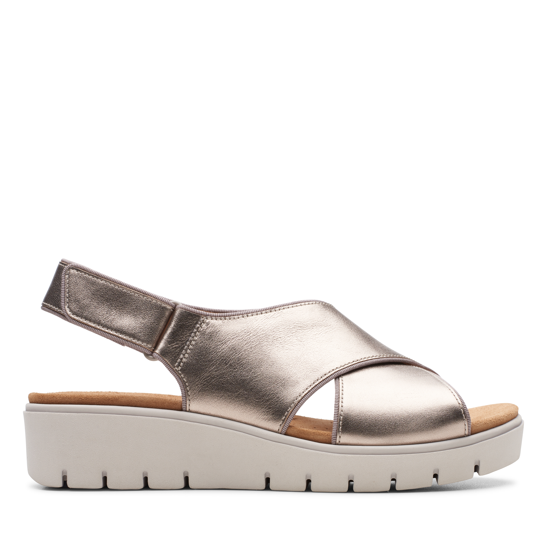 Clarks | Un Karely Sun Gold Metallic Flat Sandals