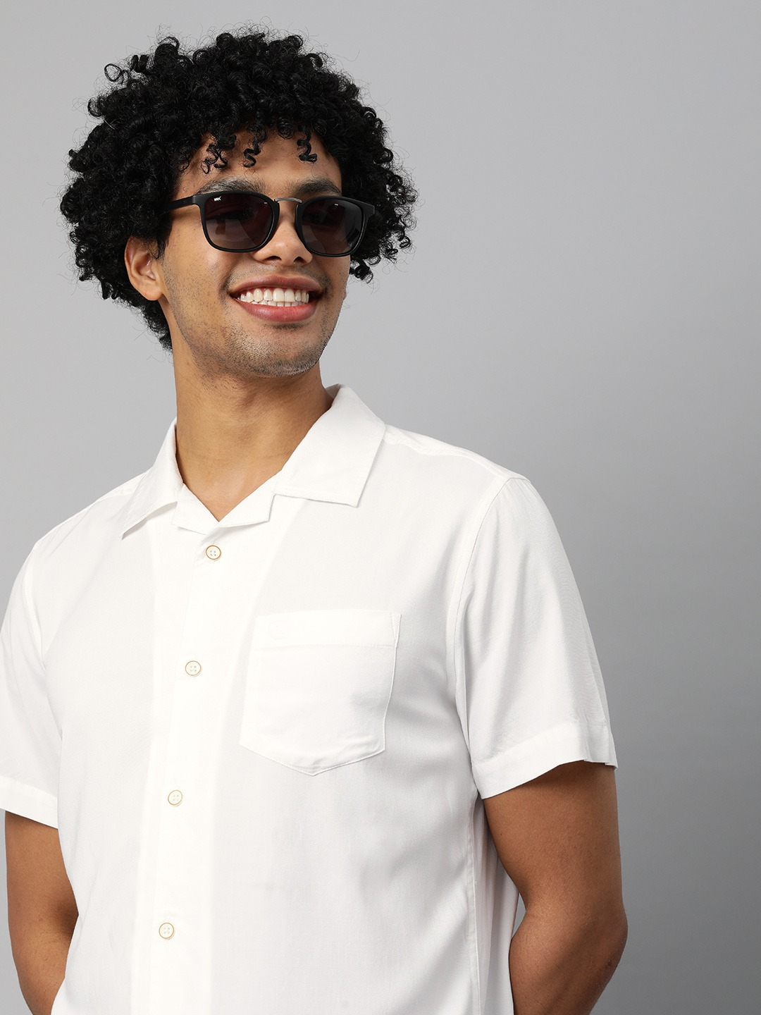 The Bear House | Men's Solid Bowling Collar Casual Shirt