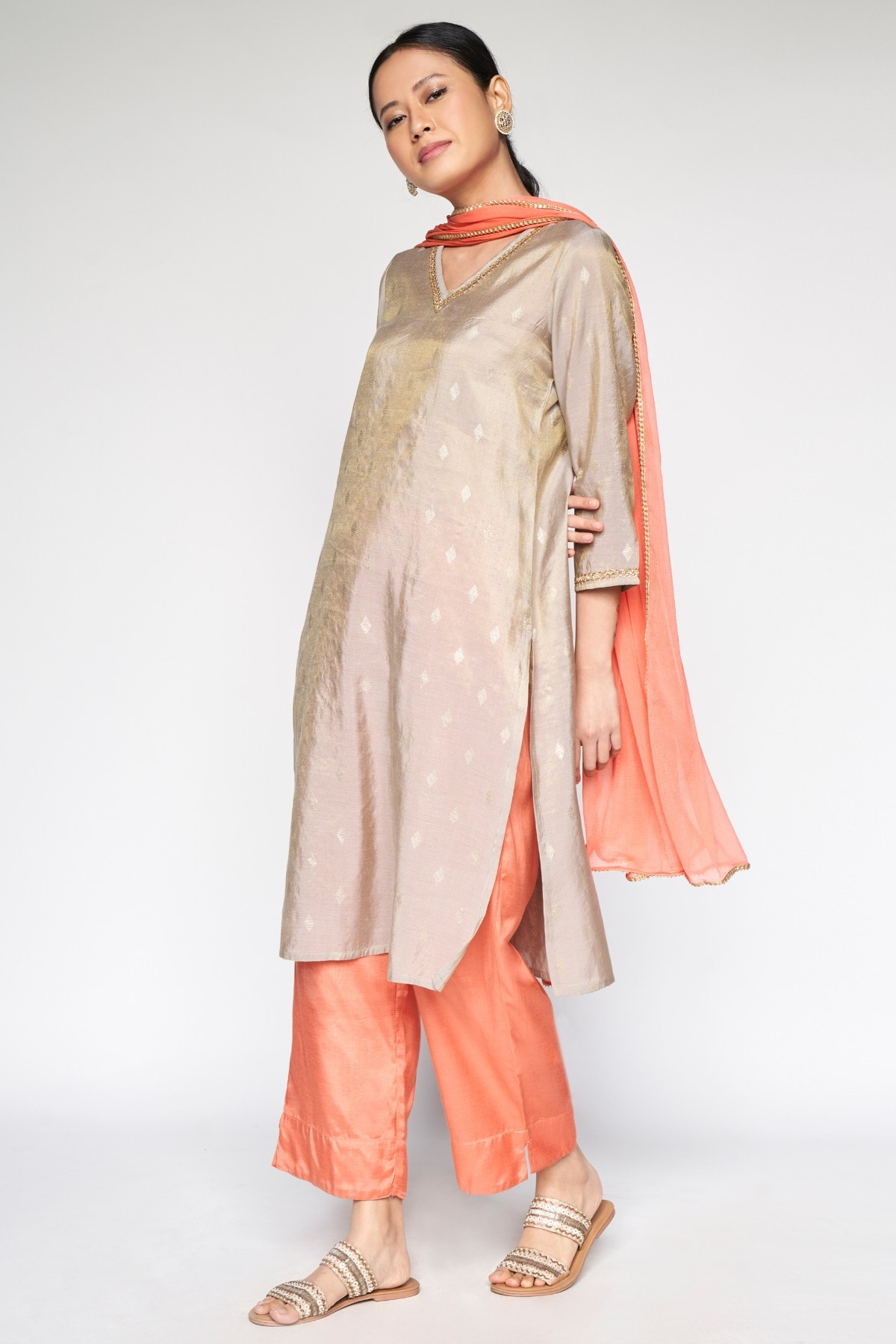 Global Desi | Coral Solid Tapered Bottom