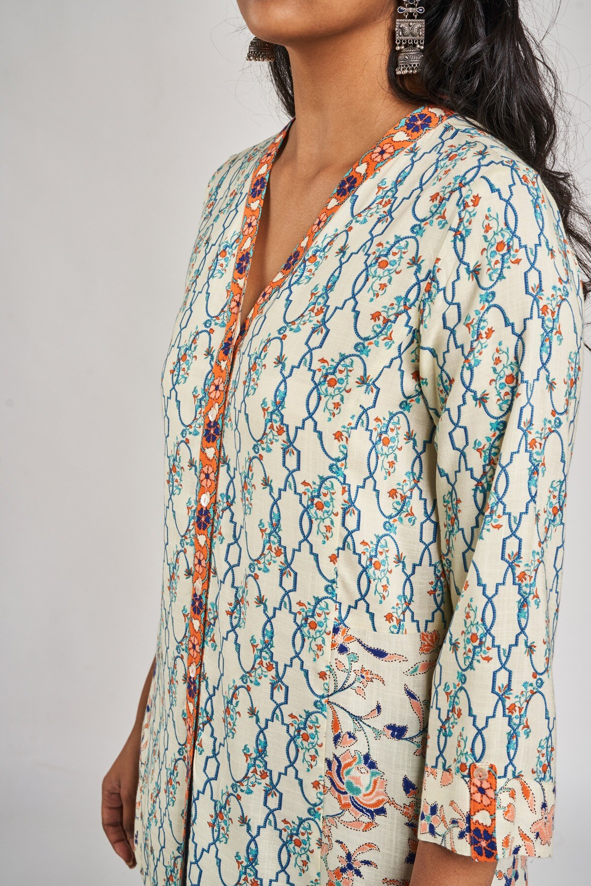 Global Desi | Off White Floral Printed A-Line Top