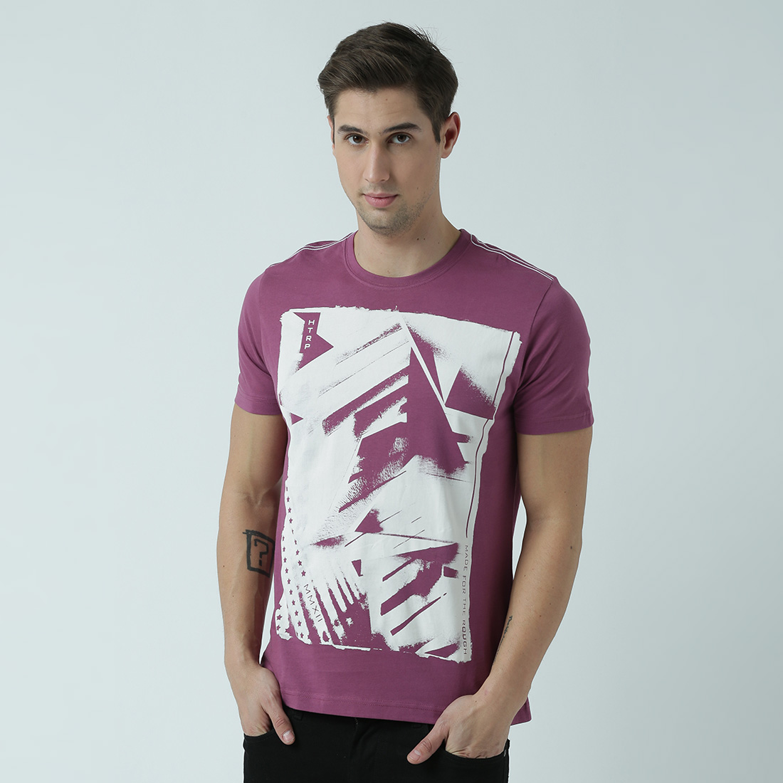 HUETRAP   Huetrap Mens Be differentRound neck graphic print Tshirt
